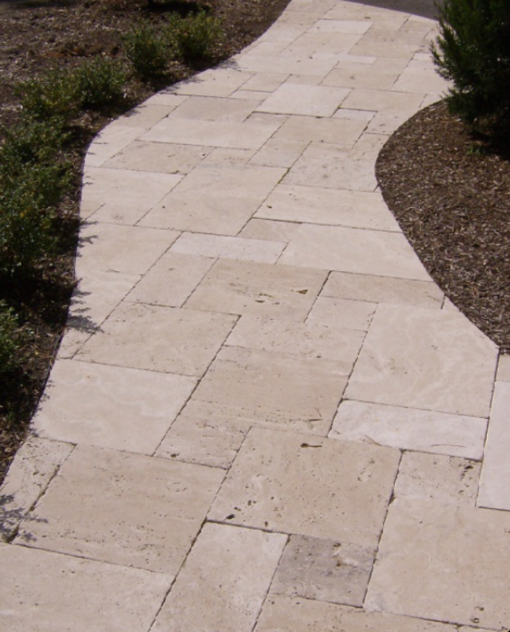 Curved path with french pattern paving